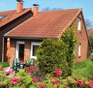 Sonniges und helles Haus mit viel Platz im Grünen